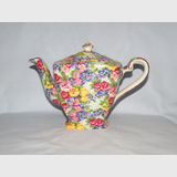 Royal Winton Julia teapot 1995 | Period: 1995 | Make: Royal Winton | Material: Pottery | Royal Winton Julia All Over Floral teapot