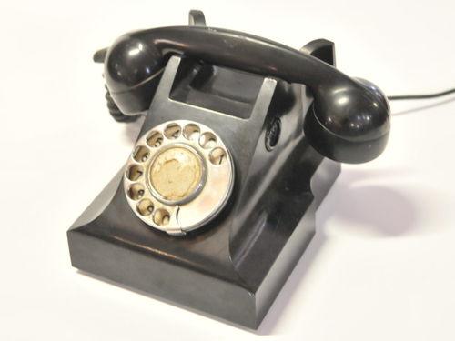 Black Phone | Period: c1950s | Material: Bakelite