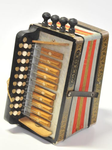 Melodeon | Period: c1950s | Make: Hohner