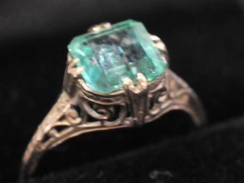 Filagree Emerald Ring | Period: c1960s | Make: Cast silver | Material: Sterling silver & emerald