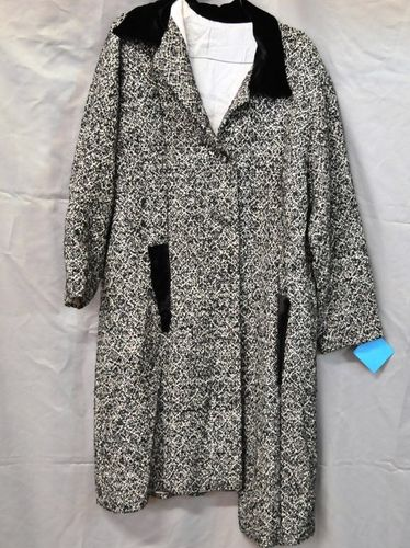 Lady's Coat | Period: c1950s | Make: Handmade | Material: Wool Blend