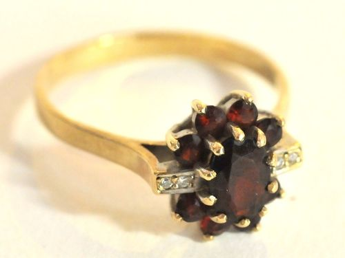 Garnet & Diamond Ring | Period: 1970s | Make: Handmade | Material: 9ct gold, garnets & diamonds
