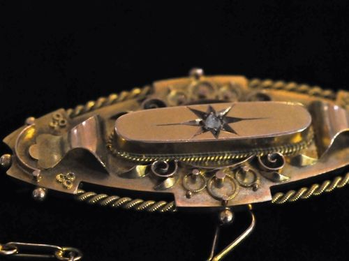 Diamond Brooch | Period: Edwardian 1913 | Make: Chester 1913 | Material: 9ct gold & diamond
