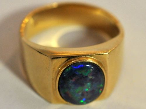 Opal & 18ct Gold Ring | Period: c1990s | Make: Handmade | Material: 18ct gold & opal triplet