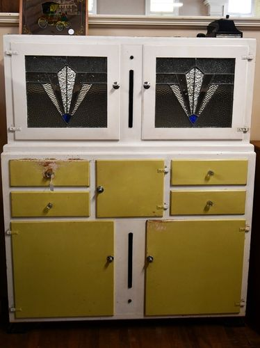 Leadlight Kitchen Dresser | Period: 1950s | Material: Pine and leadlight glass
