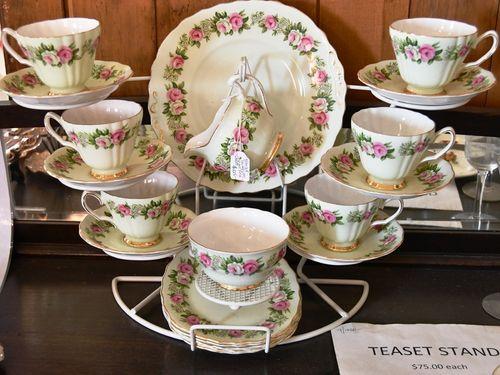 21 piece Teaset | Period: c1960s | Make: Colclough | Material: Porcelain