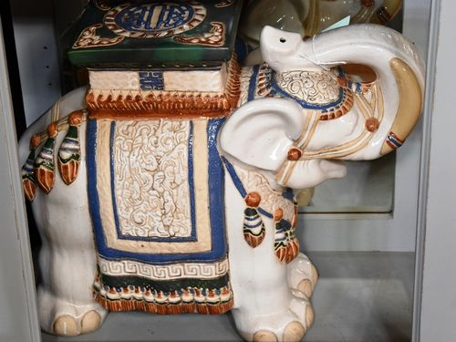 Large Ceramic Elephant | Period: Vintage | Material: Porcelain