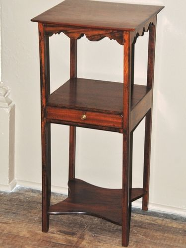 Georgian Lamp Table | Period: c1820 | Material: Mahogany