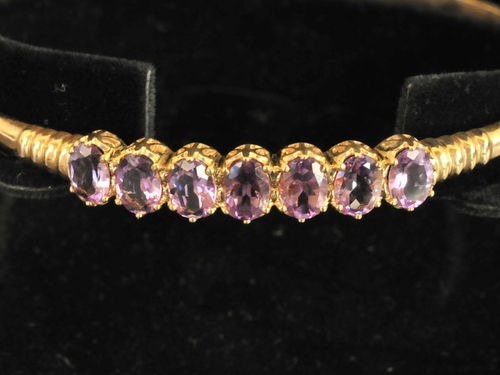 Amethyst Bracelet | Period: New | Material: 9ct. gold and Amethysts.