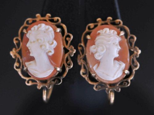 Cameo Earrings | Period: c1950 | Material: 9ct gold & shell cameo