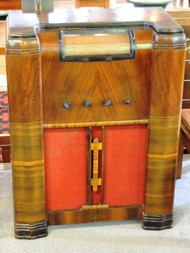 Healing Floor Radio | Period: c1940s | Make: Healing | Material: Timber veneer