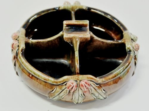 Harvey School Pansy Vase   Period: 1939   Make: APV   Material: Glazed Pottery