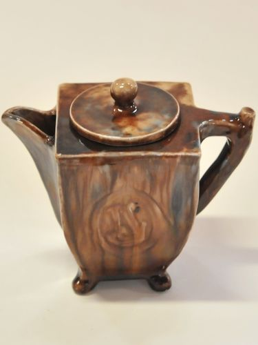 Harvey School Teapot | Period: 1925 | Make: A Leahy | Material: Glazed Pottery
