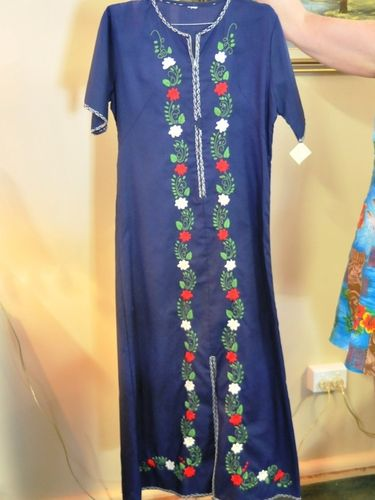 Kaftan | Period: 1970s | Make: Handmade | Material: Cotton with embroidered flowers