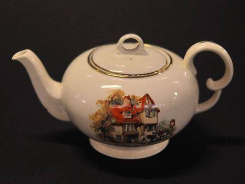 Coaching Days Teapot | Period: 1936 | Make: Crown Devon | Material: Porcelain