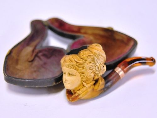 Meerschaum Pipe | Period: Edwardian 1916 | Material: Meerschaum, amber and 9ct. gold.