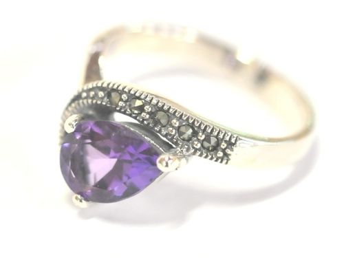 Amethyst Ring | Period: New | Material: Sterling Silver and amethyst