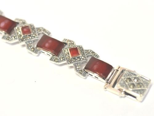 Carnelian Bracelet | Period: Modern | Material: Sterling Silver and red carnelian