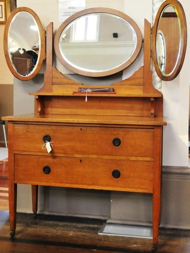 $295.00Maple Wing Mirror Dressing Table